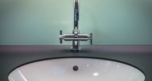 How To Clean Porcelain Kitchen Sinks
